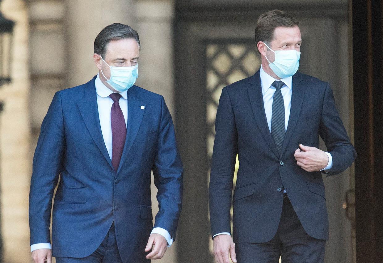 Bart De Wever en Paul Magnette bij hun bezoek aan koning Filip.