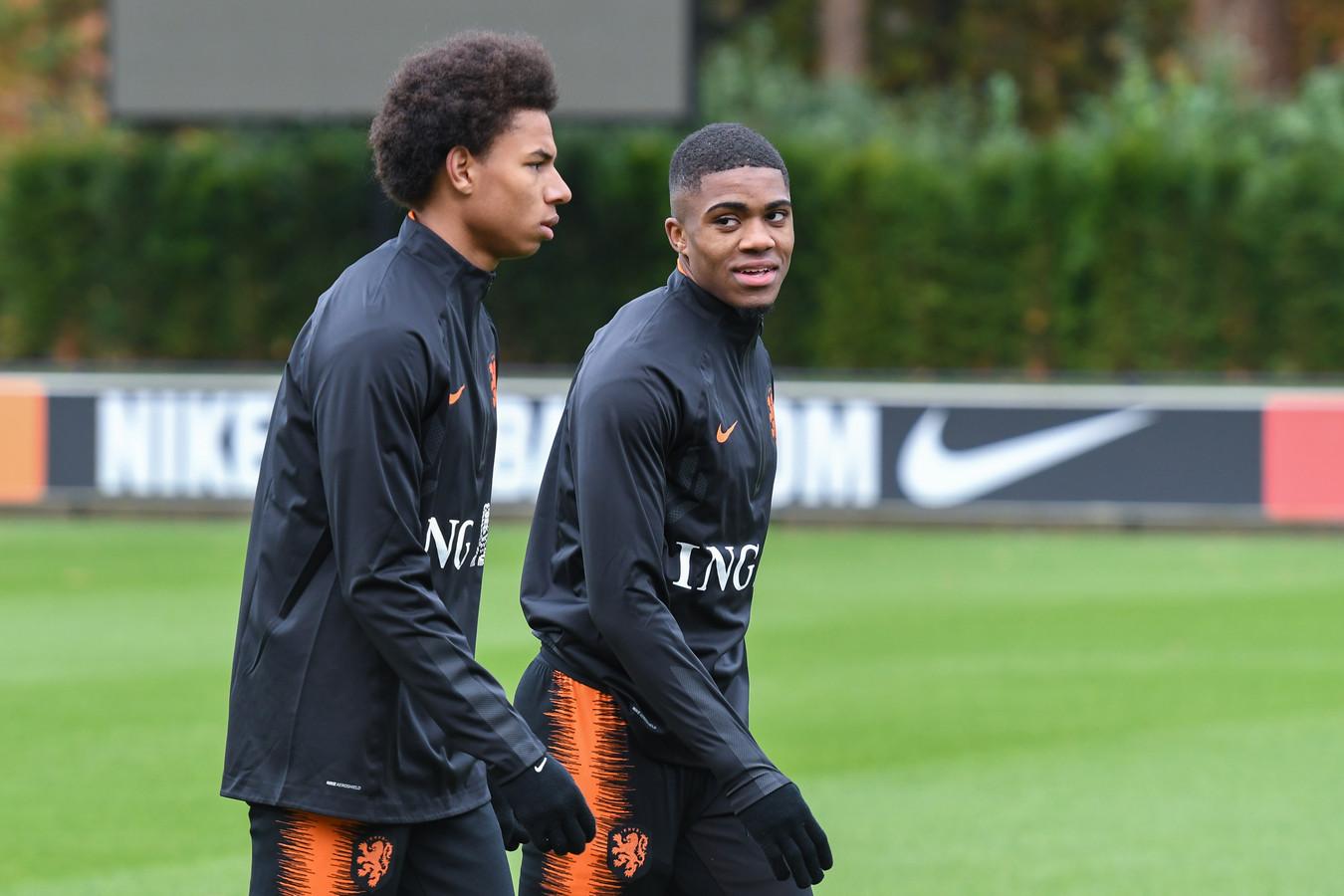 Boezemvrienden en teamgenoten bij AZ en Oranje: Calvin Stengs en Myron Boadu.
