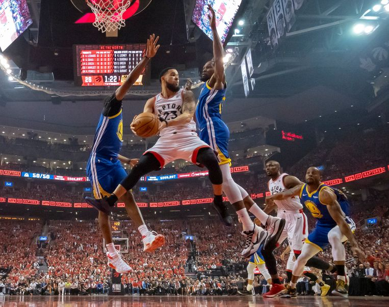 Toronto Raptors en Golden State Warriors strijden om de titel in de NBA. (Frank Gunn/The Canadian Press via AP)