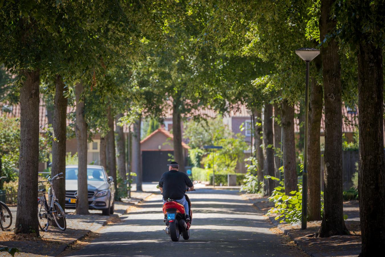 Ook de woningen aan de Populierstraat in de Schijndelse wijk Hoevenbraak moeten door corona maanden langer wachten op een onderhoudsbeurt.