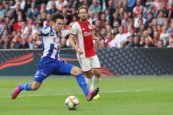 Ajax - SC Heerenveen wordt niet komende zaterdag maar zondag gespeeld.