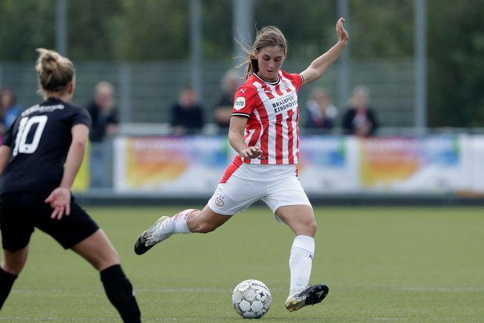 De kans is aanwezig dat Aniek Nouwen uit Deurne na dit seizoen gratis naar een buitenlandse club vertrekt.