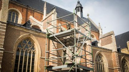 Standbeeld Heilig Hartplein in ere hersteld