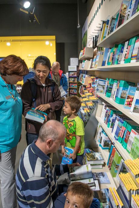 De ANWB in Eindhoven heeft ambassadeur Mimi bij het vakantiespreekuur