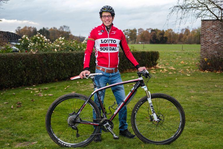 Stig Broeckx gaat opnieuw fietsen nadat hij een jaar in coma heeft gelegen.