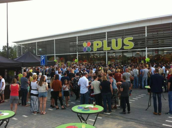 Heel Uden-Zuid was uitgelopen voor het uurtfeestje rond de opening van het langverwachte winkelcentrum.