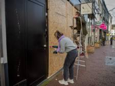 Nijmeegse ondernemers niet gerust: ze houden planken bij de hand en laten de etalages leeg