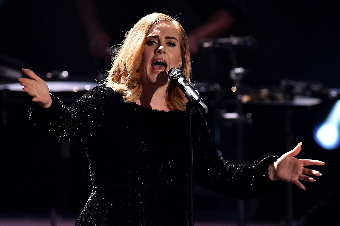 Adele in een Duitse televisieshow zondag.