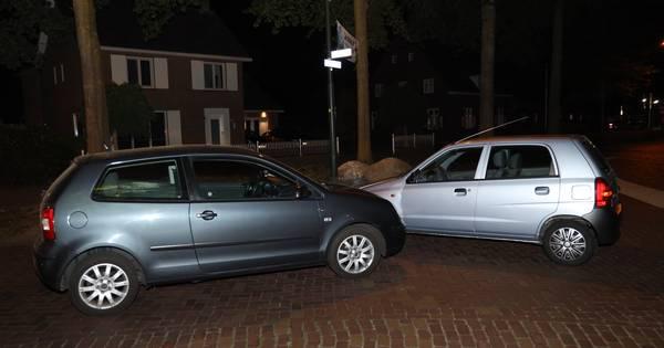 Bestuurder veroorzaakt ongeluk in Schaijk, vermoedelijk onder invloed van drugs.
