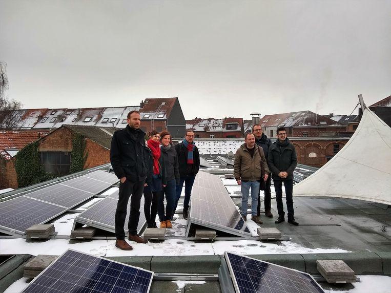 Ook in basisschool De Ark investeerden burgers al in 118 zonnepanelen.