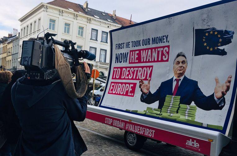 De eerdere affichecampagne van Verhofstadt.