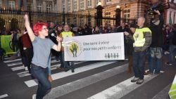 """Klimaatbeweging moet 'neutrale zone' aan parlement verlaten, maar zet actie nog altijd tot dinsdag voort: """"Dit is een niet te missen moment"""""""