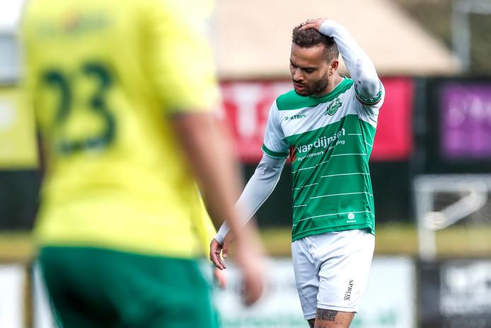 Jamie Kankam baalt na de 2-7-nederlaag tegen Groene Ster.