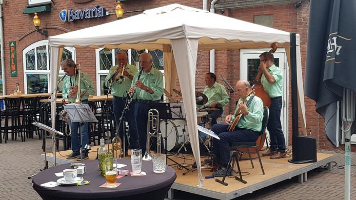Het premièreconcert van 'Jazzband Meierijstad' in Schijndel