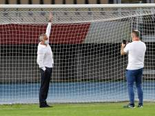 Arbiter laat te kleine doelen in Skopje afbreken na beklag Mourinho
