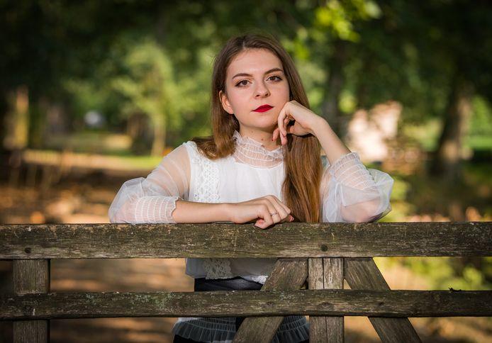 Sophie Van Reeth, auteur van het boek Genoeg Gezwegen.