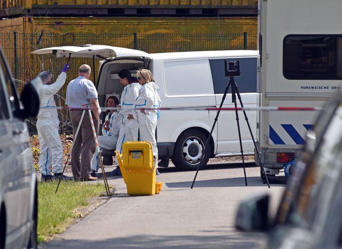 Onderzoek na de vondst van de dode vrouw, afgelopen zaterdag.