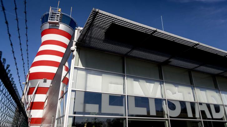 Luchtvaartverenigingen eisen uitstel start verkeersleiding Lelystad Airport