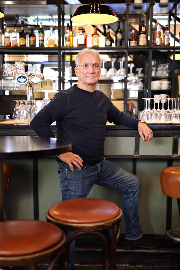 Christian de Nauw leerde Rotterdam écht kennen door zich onder te dompelen in het nachtleven. Hij werkte in allerlei horecazaken achter de bar.
