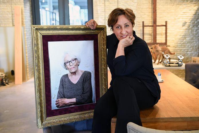 TILBURG,  Foto PixProfs/Jan Stads Karin Bruers schreef een roman over haar moeder .