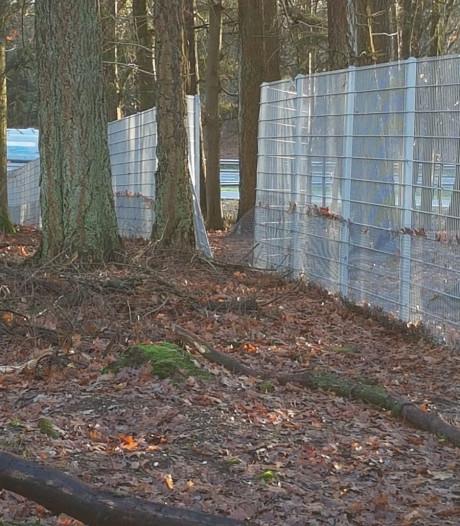'Hufterproof' hek langs A12-parkeerplaats Ginkelse Zand toch vernield