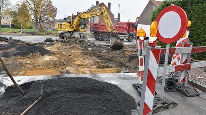 """Aannemer vergeet buurtbewoners in te lichten: """"Plots ligt de straat open"""""""