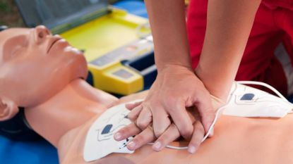 Rode Kruis en stad organiseren gratis opleidingen reanimeren en defibrilleren in Oudenaarde