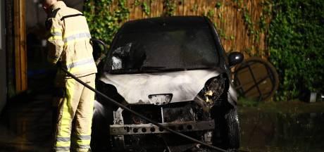 Opnieuw auto uitgebrand aan Jac. P. Thijsselaan in Zwolle
