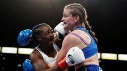 Geen stunt voor Femke Hermans in Los Angeles: Amerikaanse ster Claressa Shields verovert wereldtitel