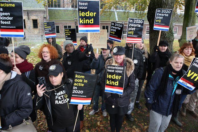 Demonstranten tijdens de intocht in Dordrecht in 2019.