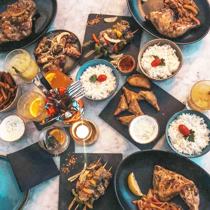 Chez Yaka, les plats sont confectionnés comme à la maison, sans chichis, mais avec beaucoup d'amour et de passion.