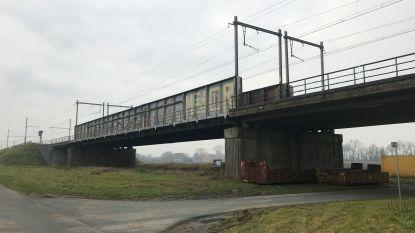 'Blunderbrug' nabij kanaal Oostende-Brugge gaat tegen de vlakte