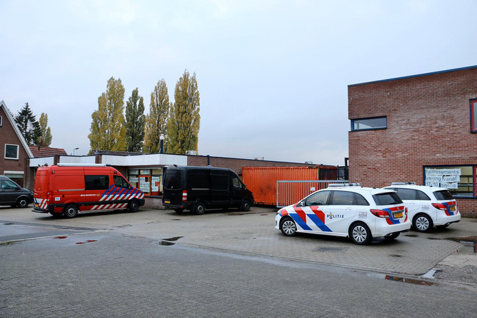 Het drugslab zat in een bedrijfspand aan de Kleibultweg
