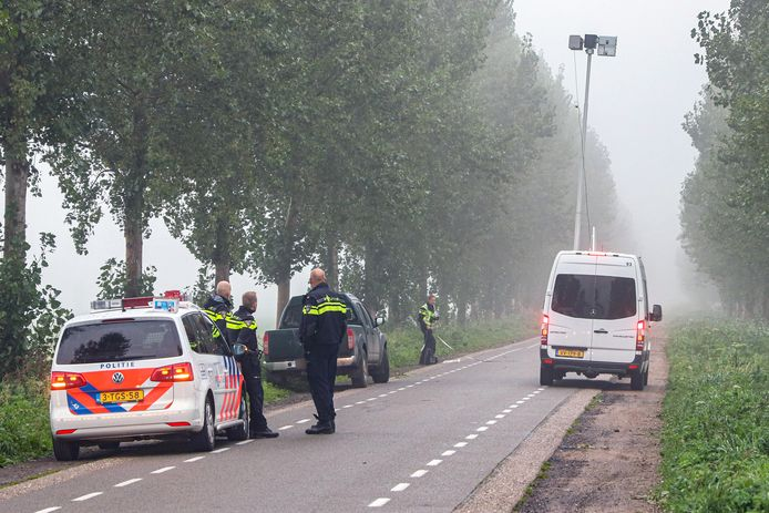 Een tiener is maandagochtend 28 september rond 07:15 uur zwaargewond geraakt bij een aanrijding op de Weg van Ongenade in het buitengebied tussen Espel en Emmeloord.