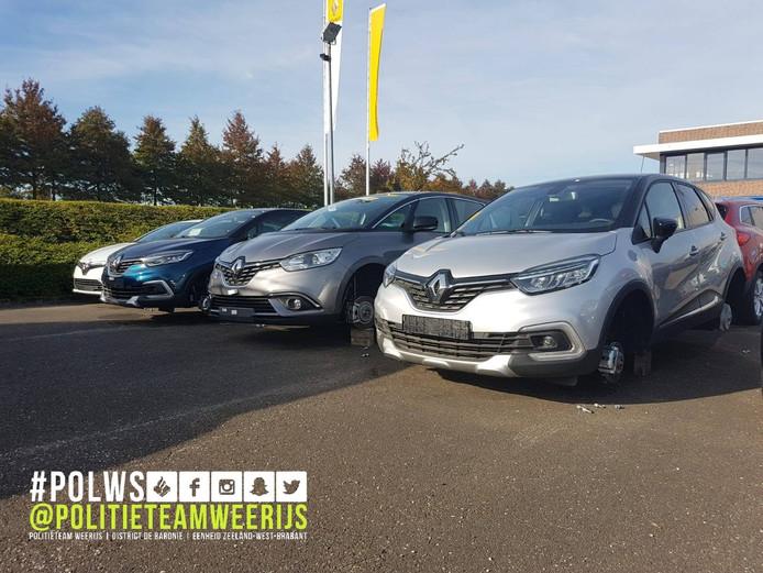 Velgen en banden gestolen van dertien auto's in Etten-Leur.