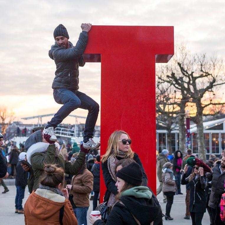 Aukje Dekker: 'De I Amsterdam-letters moeten de stad uit' Beeld Rink Hof