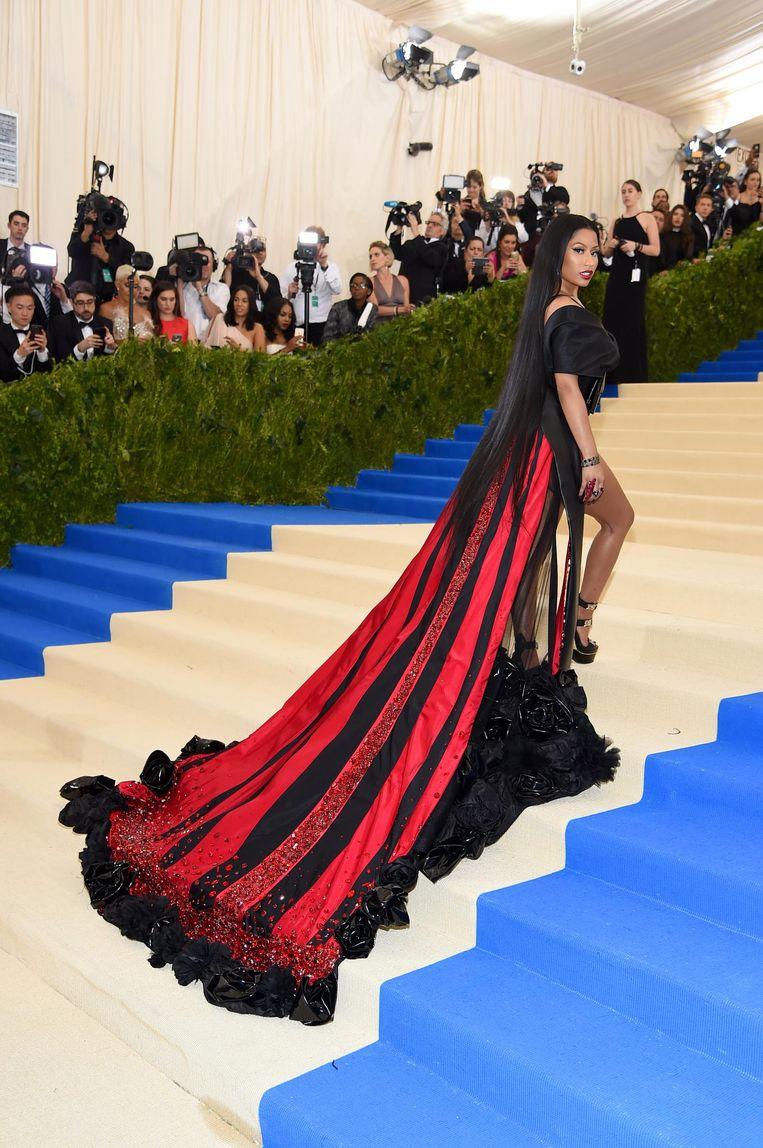 Nicki Minaj in de jurk van H&M.