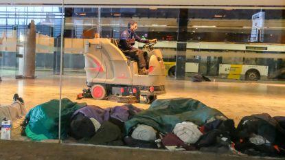 """Buschauffeurs De Lijn getuigen over overlast aan Brussels Noordstation:  """"Ik denk dat niet uit onze bus komen, het beste is"""""""