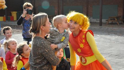 Die zijn dag kan al niet meer stuk:  Kaatje op bezoek in kleuterschool 't Kroontje