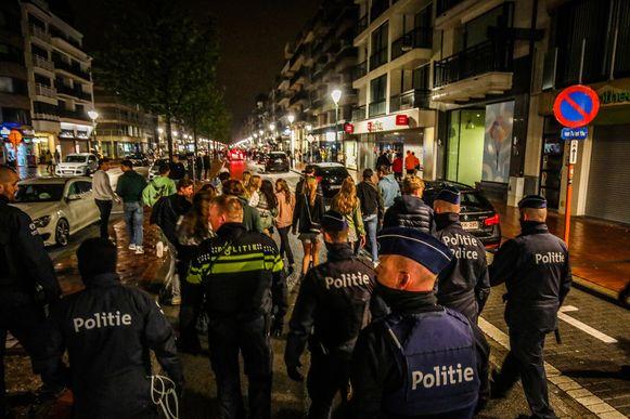 De politie blijft ook komende nachten aanwezig in de uitgaansbuurt van Knokke.