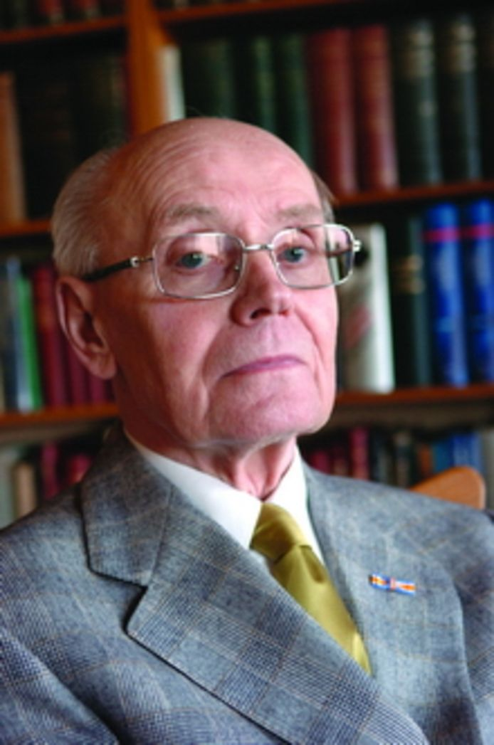 Wil Sterenborg, onvermoeibaar documentalist van de Tilburgse taal.