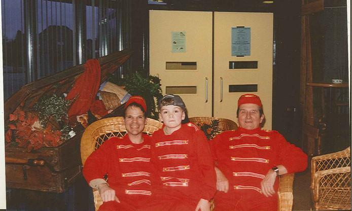 Drie generaties Duijnhouwer tijdens de première van de film Abeltje in 1998.