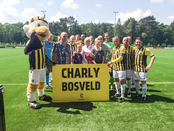 De nieuwe naam van de tribune is bekend gemaakt bij de wedstrijd Vitesse Legends-PAOK Saloniki Legends op Papendal.