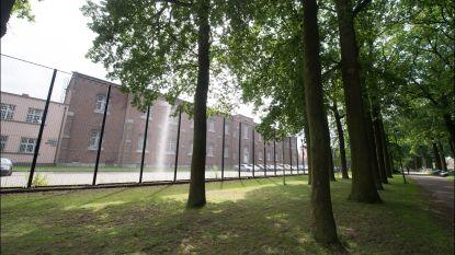 Asielcentra in Merksplas en Brugge houden prikacties uit solidariteit met cipiers
