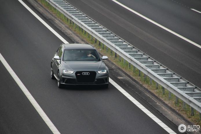 """Een van de vele foto's van de Audi RS4 op Autogespot.nl, uiteraard toen nog gewoon in bezit van de rechtmatige eigenaar. ,,Die man achter het stuur ... dat ben ik."""""""