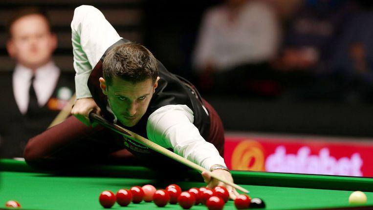 Een in volle concentratie verkerende Mark Selby kijkt in de finale zijn landgenoot Shaun Murphy in de ogen.