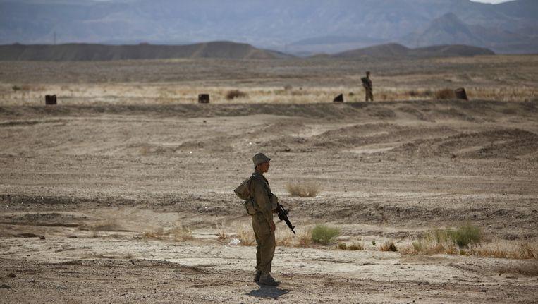 Israelische soldaten houden de wacht vlakbij Eilat. Beeld ap