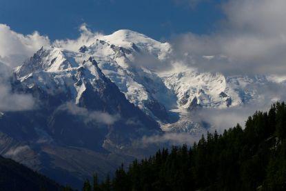 Alpinisten die met sportvliegtuig aan Mont-Blanc landden wacht  boete ... van 38 euro