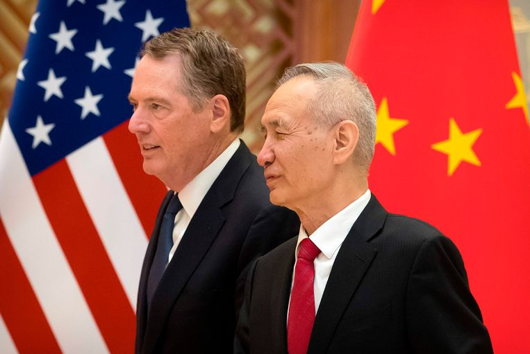 De handelsgezant voor het Witte Huis Robert Lighthizer (links) en de Chinese vicepremier Liu He op archiefbeeld tijdens eerdere onderhandelingen.
