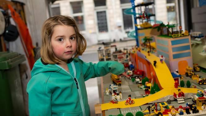 """Sam (6) en nonkel Lode (39) bouwen toekomstige Antwerpse Havanasite met legoblokjes: """"Laten we de stad eens inspireren, dachten we"""""""